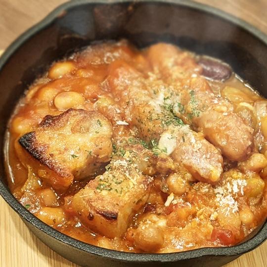 豚バラとひよこ豆のカスレ風トマト煮込み