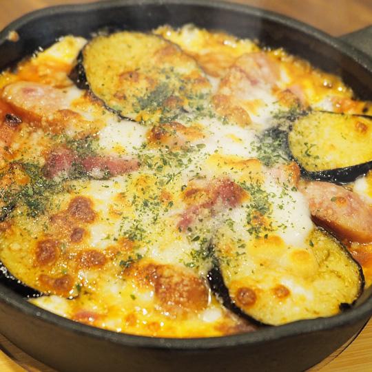 窯焼きナスとベーコンのマッシュポテトドリア